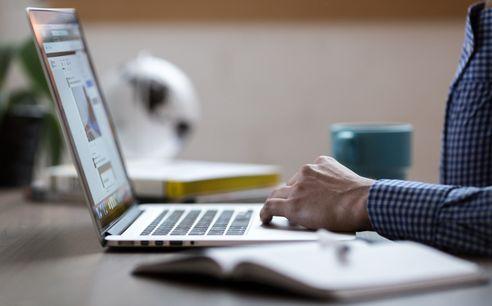 Comércio eletrónico chegou aos 87,5 mil milhões de euros em 2018 programar sites