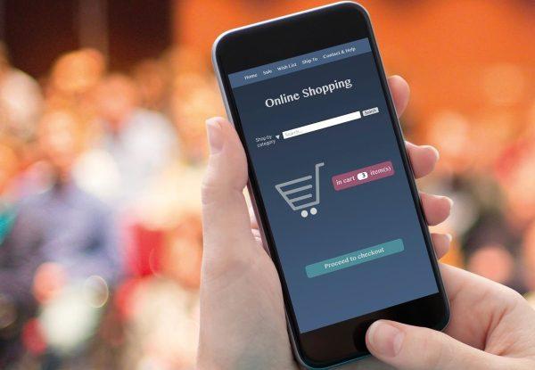 Confinamento fez aumentar compras online. Em Portugal e no resto da Europa