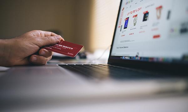 Aquisição de refeições online para entrega em casa cresce 9% em 2018